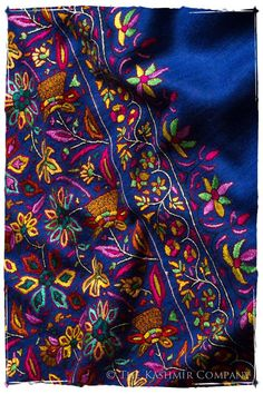 One-of-a-Kind Shawl in the world You've loved fine art for as long as you can remember—you've always loved luxuriating in the colors, themes and transcendent images that leave you entranced for hours.