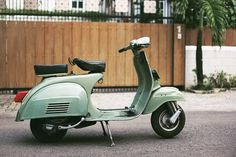 1976 Vespa Super 150. Took the basket off and the rubber protector for the chrome trim. Looks cleaner like this