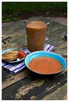 Gazpacho con pan de tomate