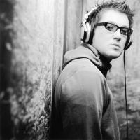 """DJ Andy Hunter lança novo EP """"Glow"""". Assista o clipe de """"Spiral"""""""