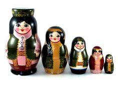 Matriochkas, Matriochka 5 pièces Tatarstan Nouveau Poupée russe est une création orginale de Vladmac09 sur DaWanda