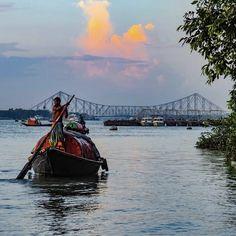 Bengali Culture, Bengali Art, Bengali Food, Mosque Silhouette, Feeling Pictures, Sky Aesthetic, Aesthetic Movies, Levitation Photography, Van Gogh Art