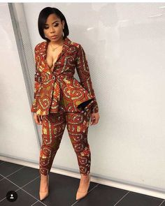 The best collection of 2018 most stylish ankara designs you've been looking for. We have them complete stylish ankara designs 2018 here African Fashion Designers, African Inspired Fashion, Latest African Fashion Dresses, African Print Dresses, African Print Fashion, Fashion Prints, African Prints, African Clothes, Ankara Fashion Styles