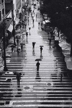 Rain in black and white, by Persio Pucci, São Paulo, Brazil.