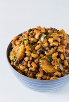 Who said you need meat or dairy to experience the big bold flavors the continent of African has to offer? Here are 10 Vegan recipes from the continent of Africa that will elevate your vegan cooking game if you are bored of Buddha bowls, Salad and Avocado Toast.