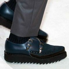 A/W men's catwalk trend flash: heavy soles Winter Collection, Catwalk, Kicks, Oxford Shoes, Dress Shoes, Footwear, Loafers, Fashion, Travel Shoes