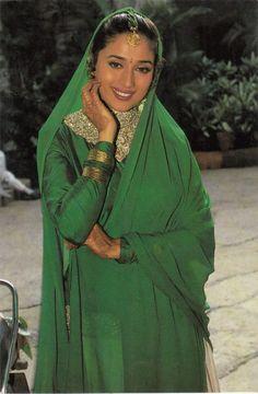 Actress Aishwarya Rai, Indian Bollywood Actress, Beautiful Bollywood Actress, Most Beautiful Indian Actress, Indian Actresses, Old Bollywood Movies, Vintage Bollywood, Bollywood Girls, Bollywood Fashion
