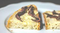 Tartine burro e acciughe, finger food facile e veloce da fare, ricette veloci