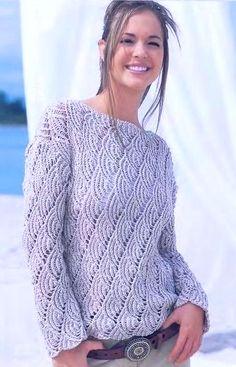 Ажурный пуловер спицами серый