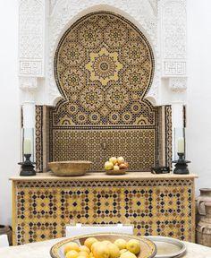 Gorgeous Moroccan fountain made with beautiful Hand cut Zellij tiles. #Moroccan #Lanterns #interiors #interiordesign #Decor #Moroccandecor.