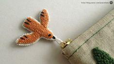프랑스자수 자수소품, 나무를 수놓은 자수필통, 필통만들기 :-) : 네이버 블로그 Punch Art, Punch Needle, Rug Hooking, String Art, Needle And Thread, Design Crafts, Pin Cushions, Textile Art, Needlepoint