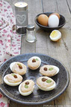 Le UOVA SODE CON SALSA TONNATA sono facili, veloci e saporite. Possono essere servite come #antipasto e sono perfette per i buffet #uova #tonnate #sode #salsa #tonnata #egg #brunch #giallozafferano #gialloblogs
