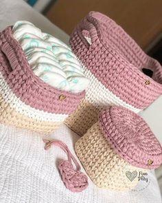 Gorgeous Crochet basket and wicker figures you should see Crochet Bedspread Pattern, Crochet Basket Pattern, Knit Basket, Baby Knitting Patterns, Crochet Patterns, Crochet Baskets, Crochet Carpet, Crochet Home, Crochet Crafts