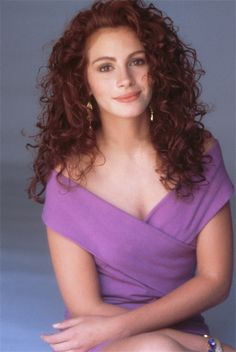 "Julia Roberts (Vivian Ward) in ""Pretty Woman"" Cabello Julia Roberts, Cheveux Julia Roberts, Julia Roberts Hair, Eric Roberts, Long Curly Hair, Curly Hair Styles, Pretty Woman, 80s Hair, Richard Gere"