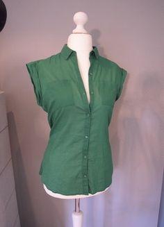 Kaufe meinen Artikel bei #Kleiderkreisel http://www.kleiderkreisel.de/damenmode/blusen/136716174-cooles-grunes-blusentop-mit-aufgesetzter-brusttasche-in-jadegrun