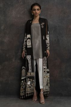 New Image : Pakistani fashion casual Source by clothes pakistani Pakistani Fashion Casual, Pakistani Dresses Casual, Pakistani Dress Design, Abaya Fashion, Indian Dresses, Indian Outfits, Indian Fashion, Fashion Dresses, Ethnic Fashion