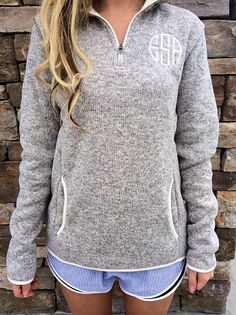 Monogrammed Oatmeal Heathered Fleece Pullover with knit binding front pocket – Mode für Frauen Fall Winter Outfits, Autumn Winter Fashion, Winter Clothes, Jogging, Fleece Pullover, Monogram Pullover, Monogram Jacket, Fashion Mode, Passion For Fashion