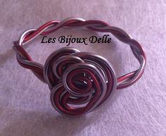 Bracelet en fil aluminium rose ancien et rouge sange de boeuf unique double position : Bracelet par les-bijoux-delle