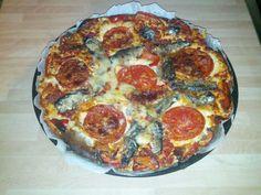 Pizza cu sardine si branza