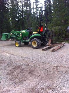 Adjustable Harrow and Leveling Implement : 5 Steps - Instructables John Deere Garden Tractors, Garden Tractor Attachments, Tractor Accessories, Small Tractors, Tractor Implements, How To Remove Rust, Kubota, Welding Projects, Outdoor Power Equipment
