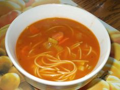 Eat with Mo: Tomato and vermicelli soup from Louloulaby Top Recipes, Chili Recipes, Cooking Recipes, Stew And Dumplings, Canadian Food, Canadian Recipes, Recipe For Mom, Soup And Salad, Soups And Stews