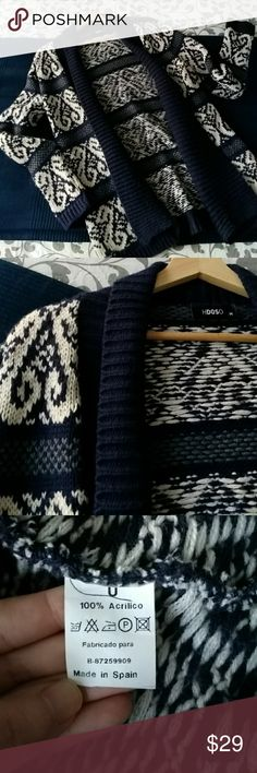 Lovely cardigan Lovely cardigan super soft and with a nice print Sweaters Cardigans