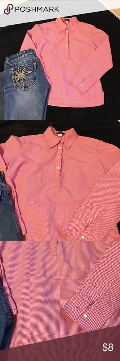 GAP Shirt XS GAP Long sleeve Shirt. 100% Cotton. Excellent condition. Vest sold separately in another listing. GAP Tops Blouses