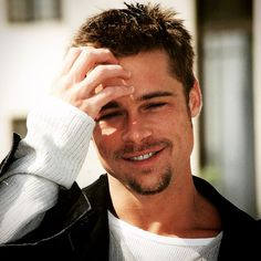 Brad Pitt won his first of two sexiest awards in 1995 while he was dating Gwyneth Paltrow. (That all-star-couple element seems to be a ticket into the sexy Richard Gere, Cabelo Do Brad Pitt, Brad Pitt Hair, Young Brad Pitt, Dwayne Johnson, Brad Pitt And Jennifer, Brad Pitt And Angelina Jolie, George Clooney, People Magazine
