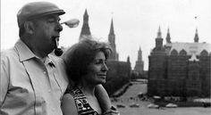 Pablo Neruda recorrera como holograma las calles de Chile. Una figura holográfica del poeta chileno Pablo Neruda recorrerá las calles de Santiago el próximo día 11, tal cual lo hacía en vida el ganador del Premio Nobel de Literatura.