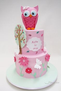 Gorgeous owl cake by Anna Maria of Planet Cake
