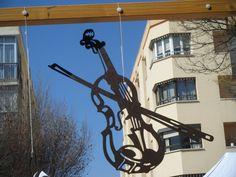 Un violon sur le toit - Violon en bois découpé - silhouette : Décorations murales par decosiluetas