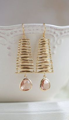 Peach Champagne Teardrop Crystal Glass Gold Dangle Diy Jewelry, Jewelery, Jewelry Design, Jewelry Making, Women Jewelry, Unique Earrings, Statement Earrings, Women's Earrings, Matte Gold