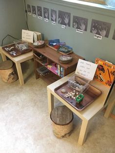 I like that they brought it natural materials for a math area. I love the hand photocopy numbers. Preschool Rooms, Nursery Activities, Preschool Centers, Kindergarten Classroom, Preschool Activities, Preschool Playground, Reggio Classroom, Classroom Setup, Classroom Design