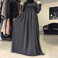 Available At Tabassum Burqa Designers. Street Hijab Fashion, Abaya Fashion, Fashion Dresses, Parda, Moslem Fashion, Hijab Style Dress, Modele Hijab, Mode Abaya, Abaya Designs