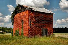Red Tile Tobacco Barn, Georgia Highway 121