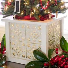 Photo: Helen Norman | thisoldhouse.com | from Editor's Picks: Our Favorite Holiday Decorating Ideas