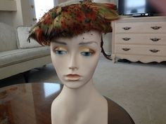 Vintage 1950s Bes Ben Chicago Women's Hat with colored Pheasant feathers
