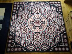 """And they did it again! The newest """"la passion"""". I love the colour combination of this one. The pattern is free."""