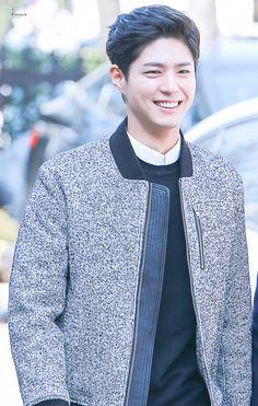 a literal angel : park bo gum : 사진 Korean Star, Korean Men, Korean Celebrities, Korean Actors, Park Bo Gum Wallpaper, Moonlight Drawn By Clouds, Park Bo Gum Moonlight, Park Bogum, Lab