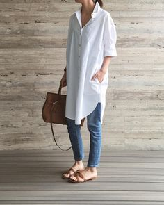 *Fashion* Oversized shirt dress mixed with denim. Sometimes at my age (guess haha) I find it slightly uncomfortable wearing just the shirt… Long White Shirt Outfit, Long Shirt Outfits, Oversized Shirt Outfit, Oversized White Shirt, Mode Outfits, Casual Outfits, Fashion Outfits, Womens Fashion, Fashion Tips