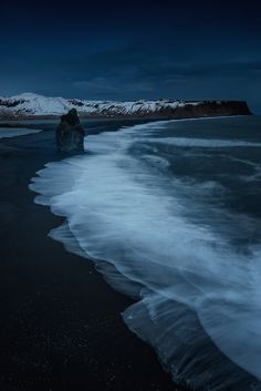 Spectacular Landscape Photos Capture the Magnificent Beauty of Iceland at Night - My Modern Met On a trip to Iceland, Spain-based photographer David Martin Castan worked primarily between dusk and dawn to capture breathtaking shots of the natural Sea Photography, Landscape Photography Tips, Landscape Photographers, Landscape Photos, Landscape Paintings, Park Landscape, Aerial Photography, Cool Landscapes, Beautiful Landscapes