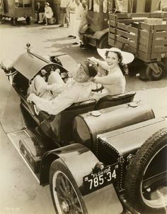 """The Duke"", John Wayne & Maureen O'Hara in a 1914 Stutz Bearcat, a well-known American sport car of pre and post WWI. Golden Age Of Hollywood, Hollywood Stars, Classic Hollywood, John Wayne, Westerns, Jack Palance, Jane Russell, Maureen O'hara, John Ford"