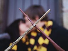 10 Fun Engagement Photo Shoot Ideas We Love: This Perfect Harry Potter Re-creation Themed Engagement Photos, Engagement Pictures, Engagement Shoots, Wedding Pictures, Country Engagement, Fall Engagement, Theme Harry Potter, Harry Potter Wedding, Photos D'engagement