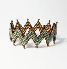 2231 Zigzag bracelet. Darlene Pfahl lakesidejewelry.etsy.com