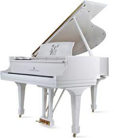 .(via Steinway announces John Lennon grand piano | The Beatles Bible)