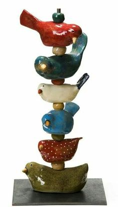 Clay Bird Totem – how I love this! Clay Birds, Ceramic Birds, Ceramic Animals, Clay Animals, Ceramic Clay, Ceramic Pottery, Pottery Sculpture, Bird Sculpture, Ceramics Projects