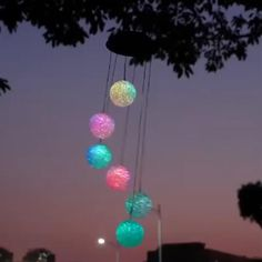 Solar Garden Ornaments, One Color, Color Change, Carillons Diy, Solar Wind Chimes, Wind Chimes Craft, Solar Licht, Ball Lights, Little Doll