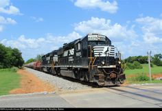 Norfolk Southern Local Freight Train A84 doing a brake test before departing Precision Strip Steel Mill in Talladega, AL. Heading back Southbound to Wlton, AL. - NS 5829(GP38-3) NS 3301(SD40-2)