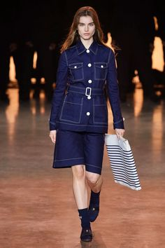 TommyNow Spring 2020 Ready-to-Wear Fashion Show - Vogue Fashion 2020, Daily Fashion, Fashion Show, Street Fashion, Fashion News, Women's Fashion, Vogue Paris, Yasmin Le Bon, Autumn Fashion Casual