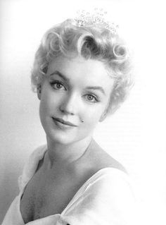 marilyn... soften the eyebrows and I have a oil painting of my mom that looks just like this photo <3 So beautiful.